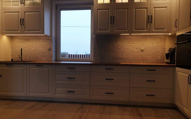 panel szklany kuchnia cegla biala 03