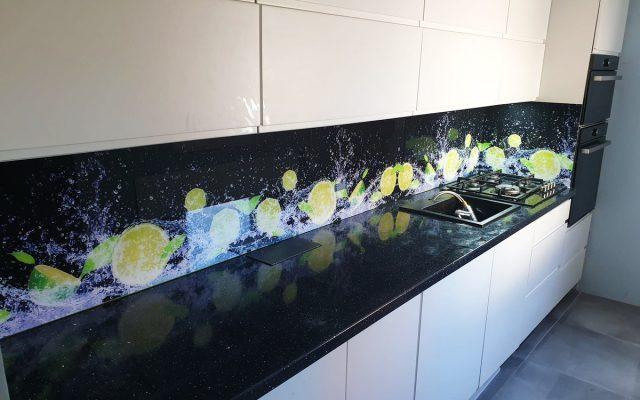 panel szklany kuchnia czarne cytryna woda 02
