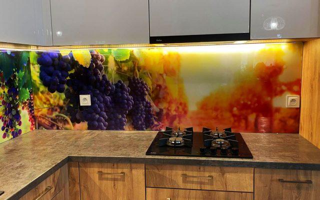 panel szklany kuchnia owoce winogrono kolorowe drewno