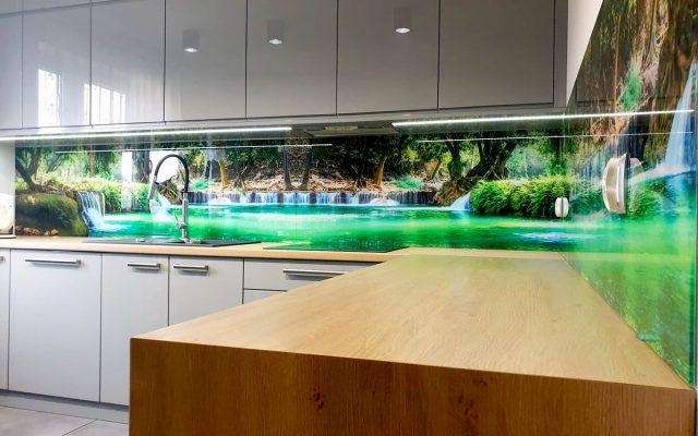 panel szklany kuchnia wodospad zielony rzeka woda las 02