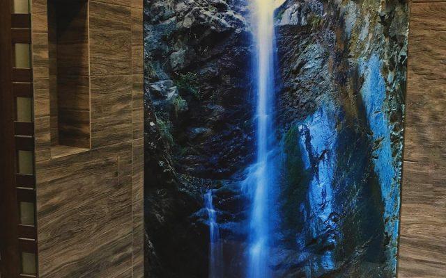 panel szklany lazienka pryszni kabina wodospad