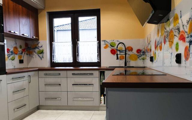 panel szklany kuchnia owoce woda cytryna limonka